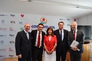 DE izquiera a derecha: Sr. Aranda (Gerente Ahecos), Sr. Zapico (RCI), Sra. Suero (Interval Internacional) Sr. Bernal (Gerente Patronato de Turismo) y F.J. Lizarza (Lizarza Abogados